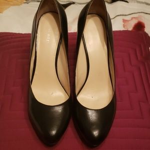 Nine West platform pump